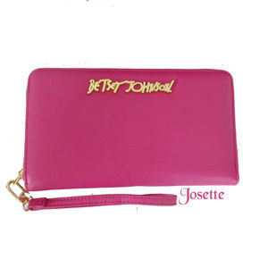 BETSEY JOHNSON FUCHSIA ZIP AROUND WALLET/WRISTLET
